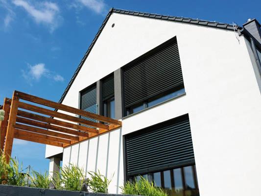 Montaż żaluzji fasadowych Solidbox na wymiar